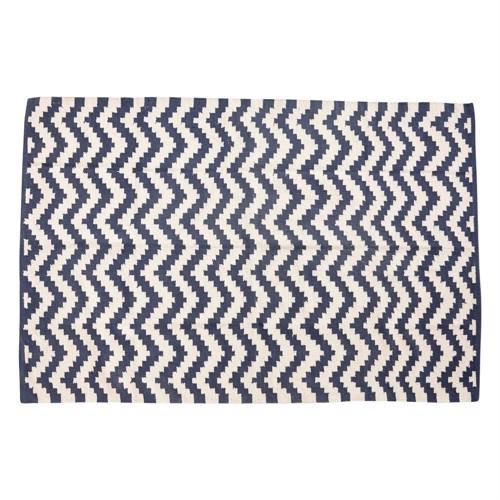 Hübsch tæppe i blå og råhvid bomuld