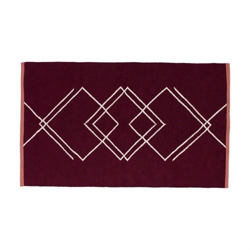 Hübsch tæppe i bordeaux og hvid genbrugs materiale